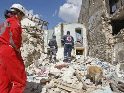 terremoto-abruzzo-croce-rossa5_161066
